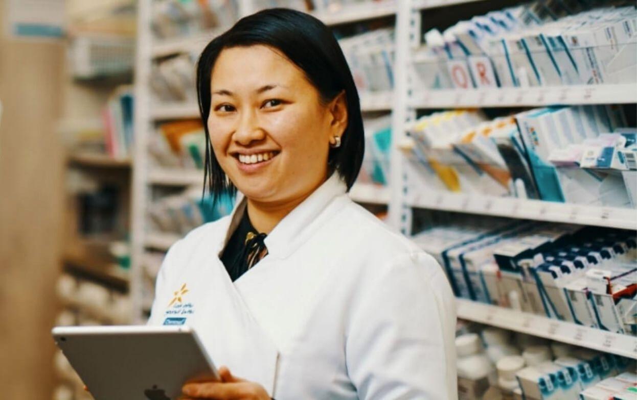 Image of pharmacist, Khanh Nguyen