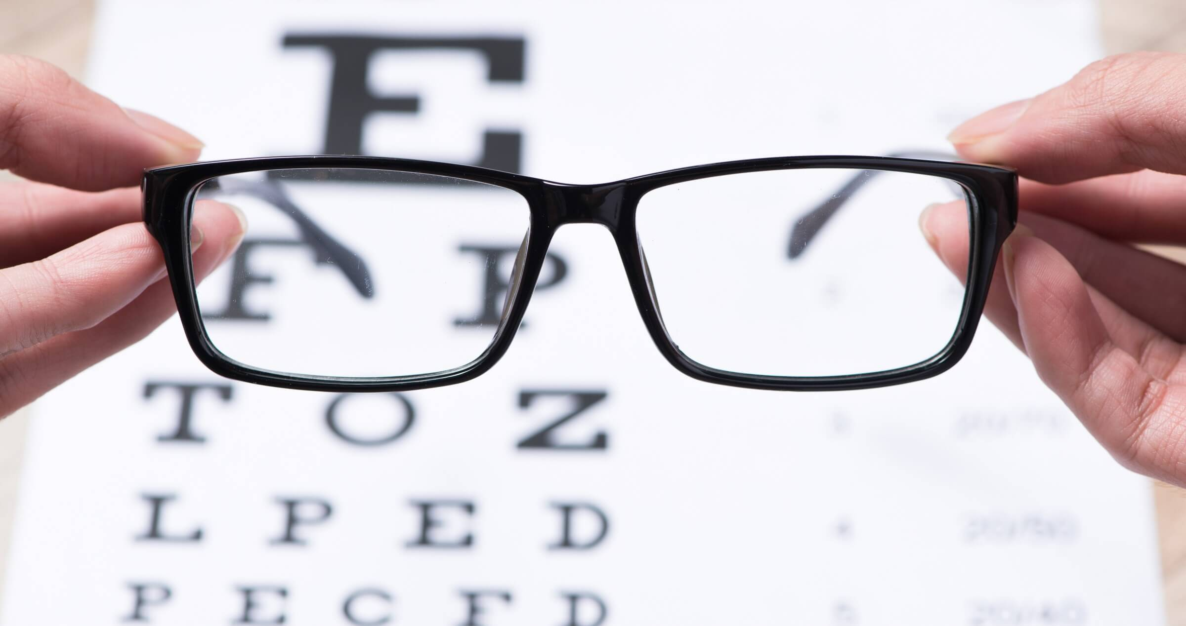 Visual acuity chart with different sized letters